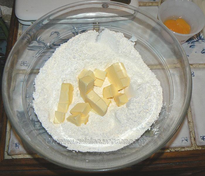 Tarte aux noix et caramel, glaçage à l'abricot étape1