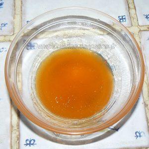 Tarte aux noix et caramel, glaçage à l'abricot étape7