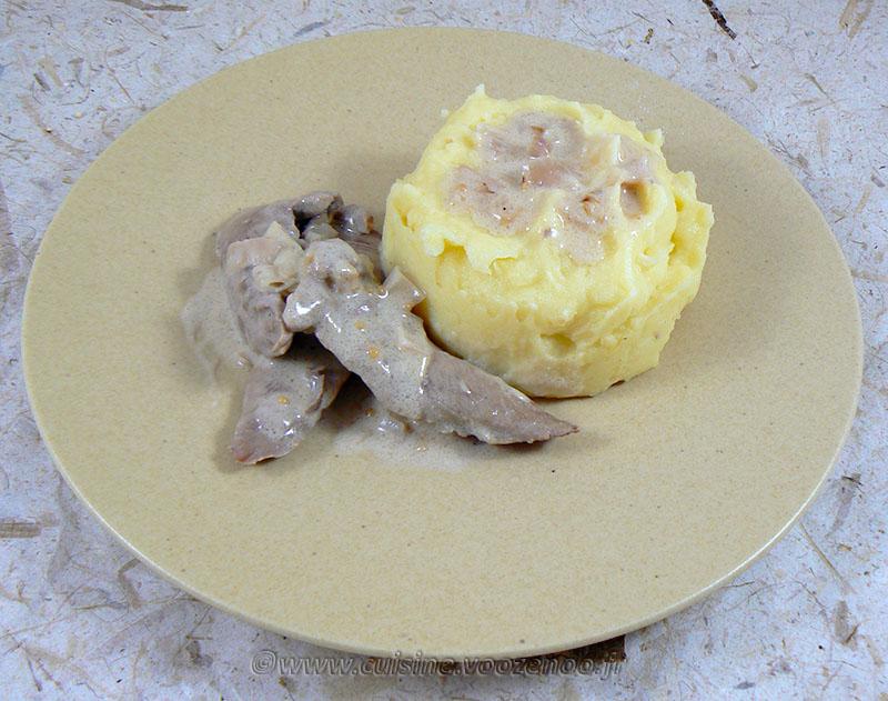 Aiguillettes de canard, sauce échalotes et graines de moutarde presentation