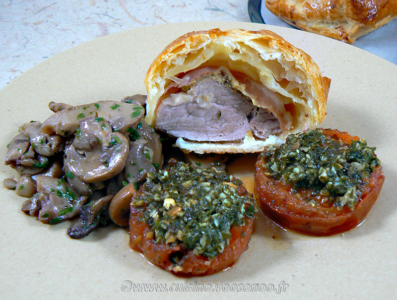 Filet mignon de porc en feuillete moutarde provençale presentation