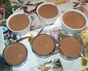Mousse au chocolat au lait et crème de soja fin