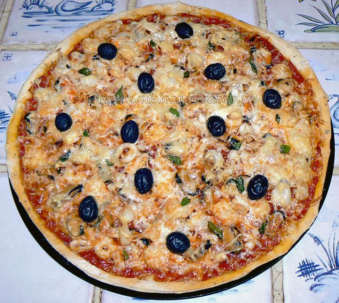 Pizza aux fruits de mer fin