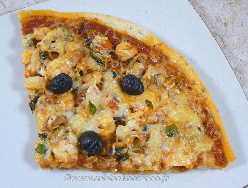 Pizza aux fruits de mer presentation