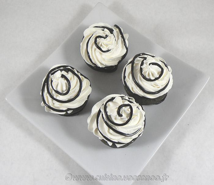 Cupcakes à la réglisse – Noir et blanc fin2