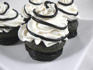 Cupcakes à la réglisse – Noir et blanc fin