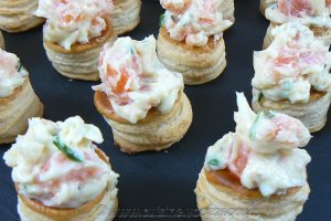 Mini Vol au vent au saumon, ciboulette et mayonnaise slider