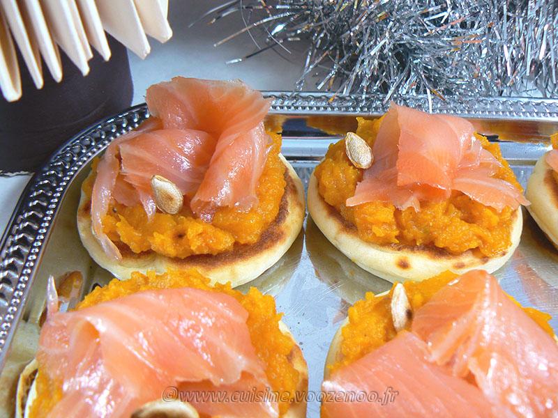 Crème de butternut, saumon sur blinis maison fin2