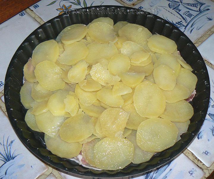 Tatin aux pommes de terre, lard et chèvre etape2