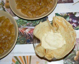 Aumônière de crêpe farcie de semoule au lait sur compotée de fruits etape3