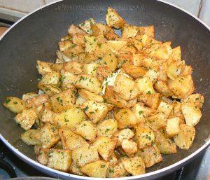 Entrecôtes sauce Parisienne et frites au carré etape1