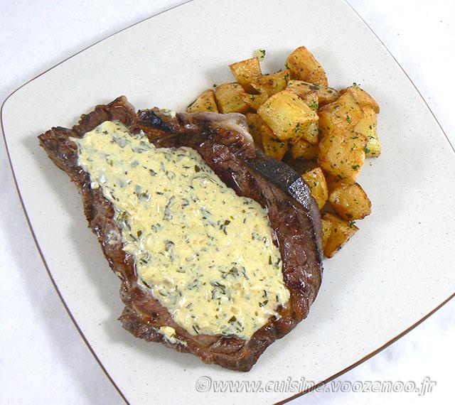 Entrecôtes sauce Parisienne et frites au carré fin