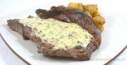 Entrecôtes sauce Parisienne et frites au carré