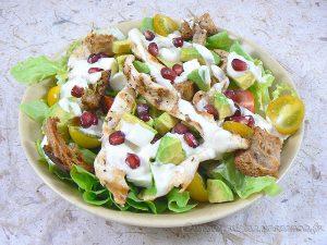 Blancs de poulet marinés en salade fin