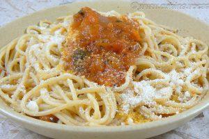 Spaghettis, sauce tomates fraîches provençale