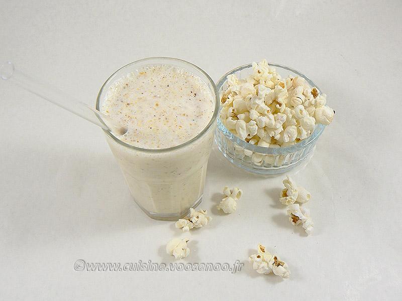 Milkshake vanille et pop-corn presentation