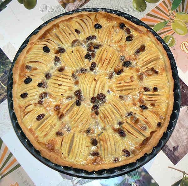 Tarte aux pommes, crème de nougat et raisins secs fin