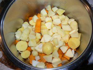 Velouté de potimarron, pomme-patate etape1