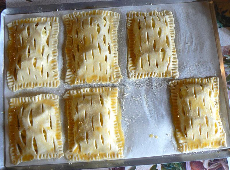 Chaussons aux pommes et confiture de rhubarbe etape2