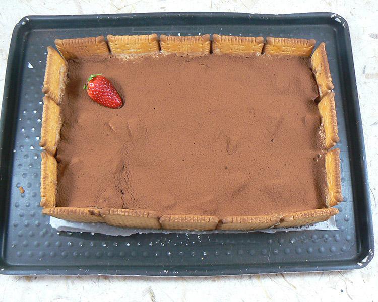 Tiramisu aux fraises et biscuits Petit Beurre fin
