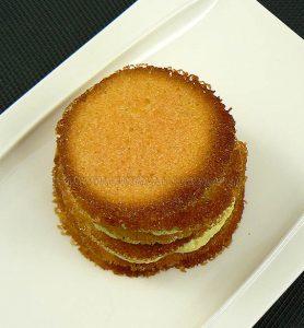 Millefeuille crème de pistache, tuiles croustillantes à l'orange sanguine fin