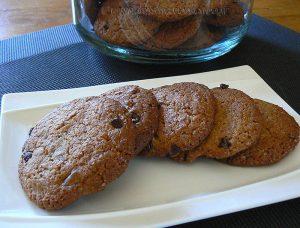 Cookies à la chicorée et pépites de chocolat noir presentation