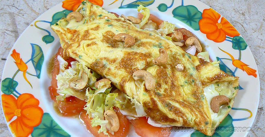Omelette à la mozzarella sur un lit de tomates  slider