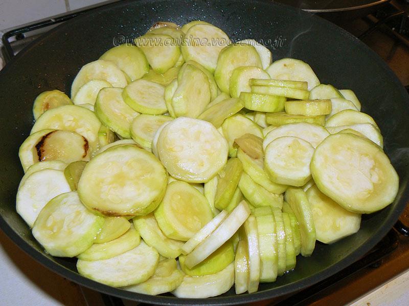 Gratin de courgettes, sauce béchamel au Kiri etape1