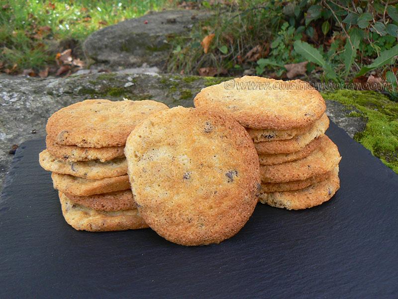 Cookies aux éclats de pistaches et pépites de chocolat presentation