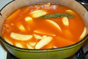 Pommes de terre confites à la tomate, thon et olives noires etape4