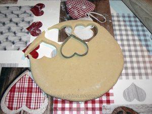 Cœurs de massepain cuits etape3