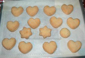 Cœurs de massepain cuits fin