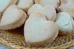 Coeurs de massepain cuits