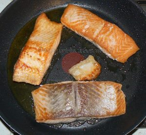 Pavé de saumon laqué, semoule épicée etape1