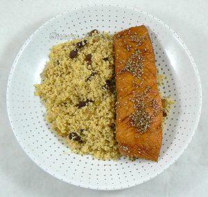 Pavé de saumon laqué, semoule épicée fin2