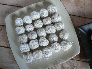 Boulettes de quinoa parfumées au lait de coco et thé vert au jasmin fin