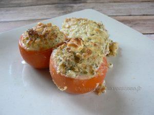 Tomates farcies au thon, blé et feta fin3