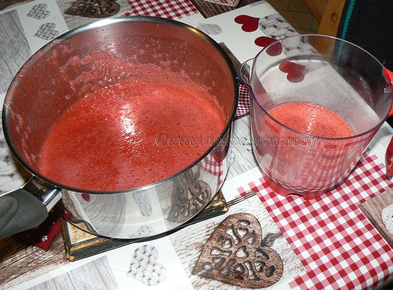 Charlotte aux fraises d'Hélène etape1