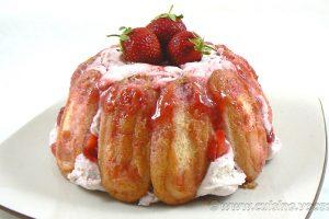 Charlotte aux fraises d'Hélène