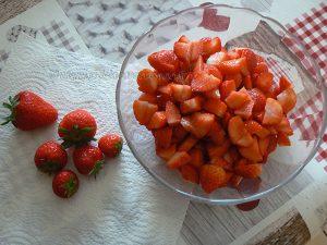 Tarte panna cotta citron, compotée de fraises etape1