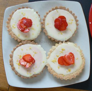 Tarte panna cotta citron, compotée de fraises fin