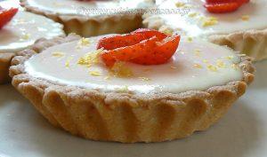Tarte panna cotta citron, compotée de fraises fin3