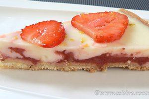Tarte panna cotta citron, compotée de fraises slider