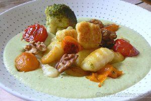 Gnocchi deux cuissons, crème brocoli au parmesan