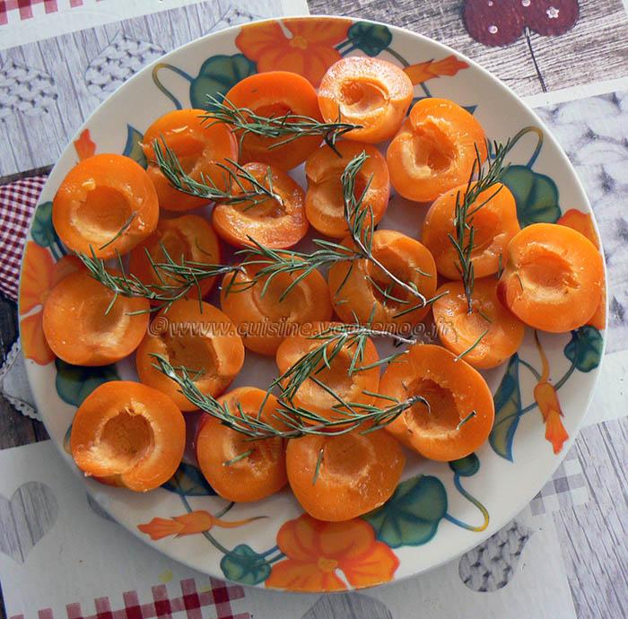 Abricots rôtis au romarin frais etape1