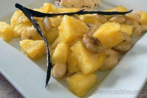Papillote d'ananas et banane au sirop de vanille slider