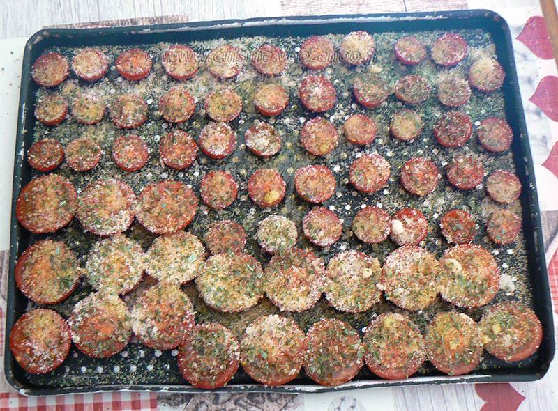 Salade de linguine, courgettes râpées et tomates cerise rôties etape1