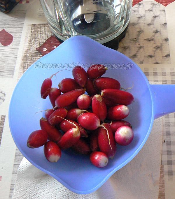 Soupe de radis et ses croûtons au thym version apéro etape1