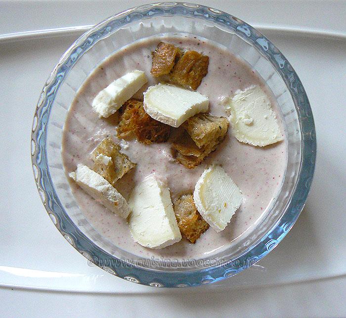 Soupe de radis et ses croûtons au thym version apéro presentation