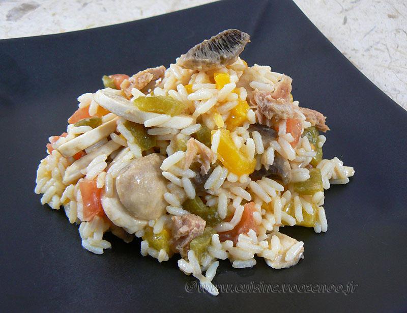 Salade de riz au thon, champignons et poivrons presentation