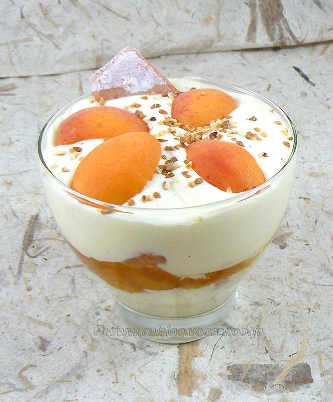 Tiramisu aux abricots et biscuits de Reims presentation